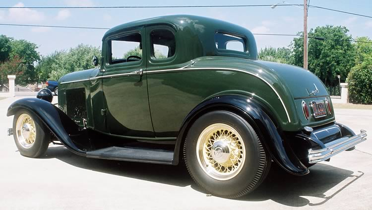 Ford Coupe 1932 photo - 5