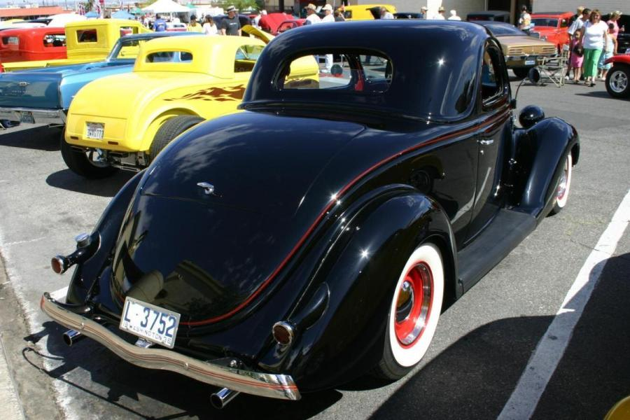 Ford Coupe 1936 photo - 2