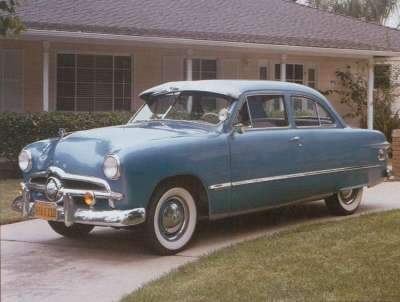 Ford Custom 1949 photo - 2