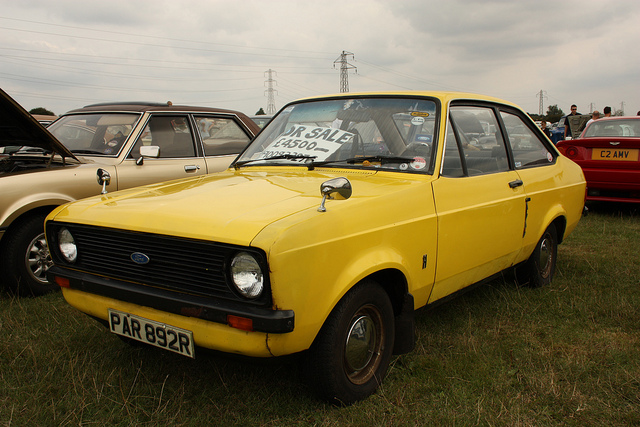 Ford Escort 1976 photo - 1