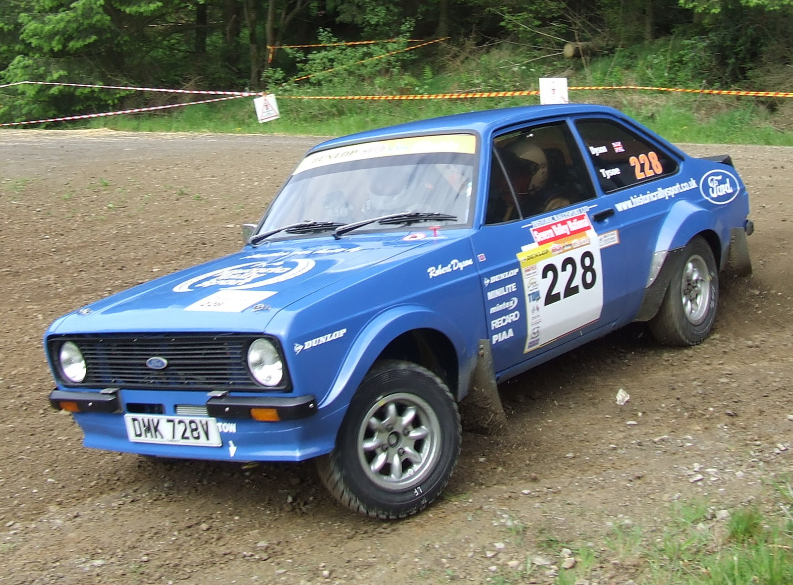 Ford Escort 1976 photo - 7