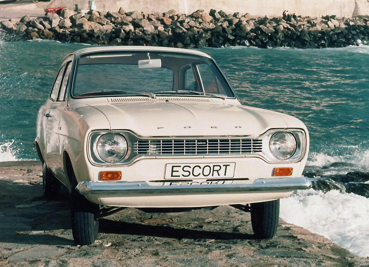 Ford Escort 1976 photo - 9