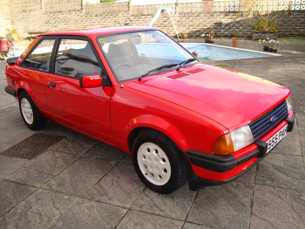 Ford escort 1984 photo - 7