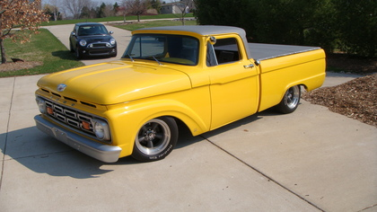 Ford F-100 1961 photo - 4