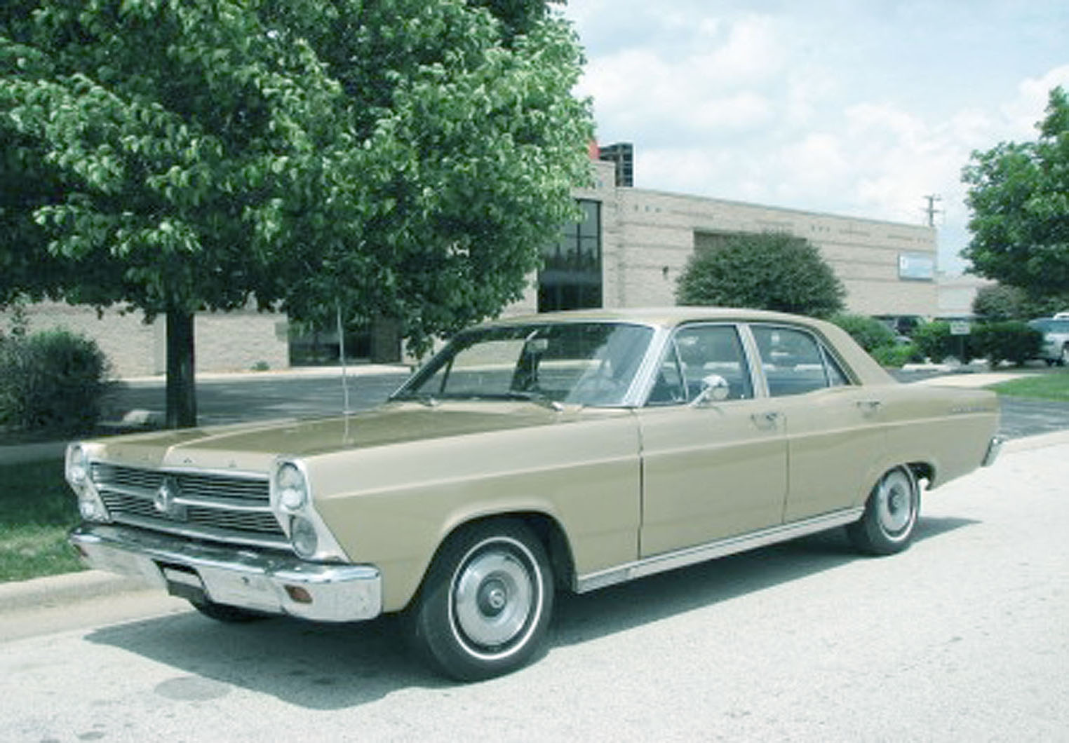 Ford Fairlane 1966 Photo