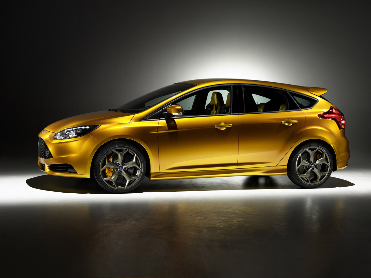Ford Focus 2010 photo - 7