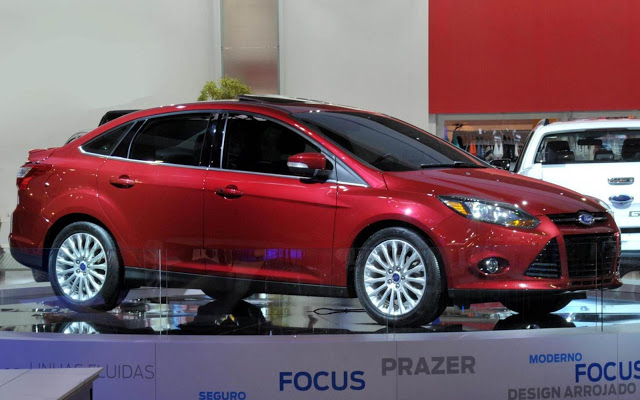 Ford Focus 2014 photo - 9