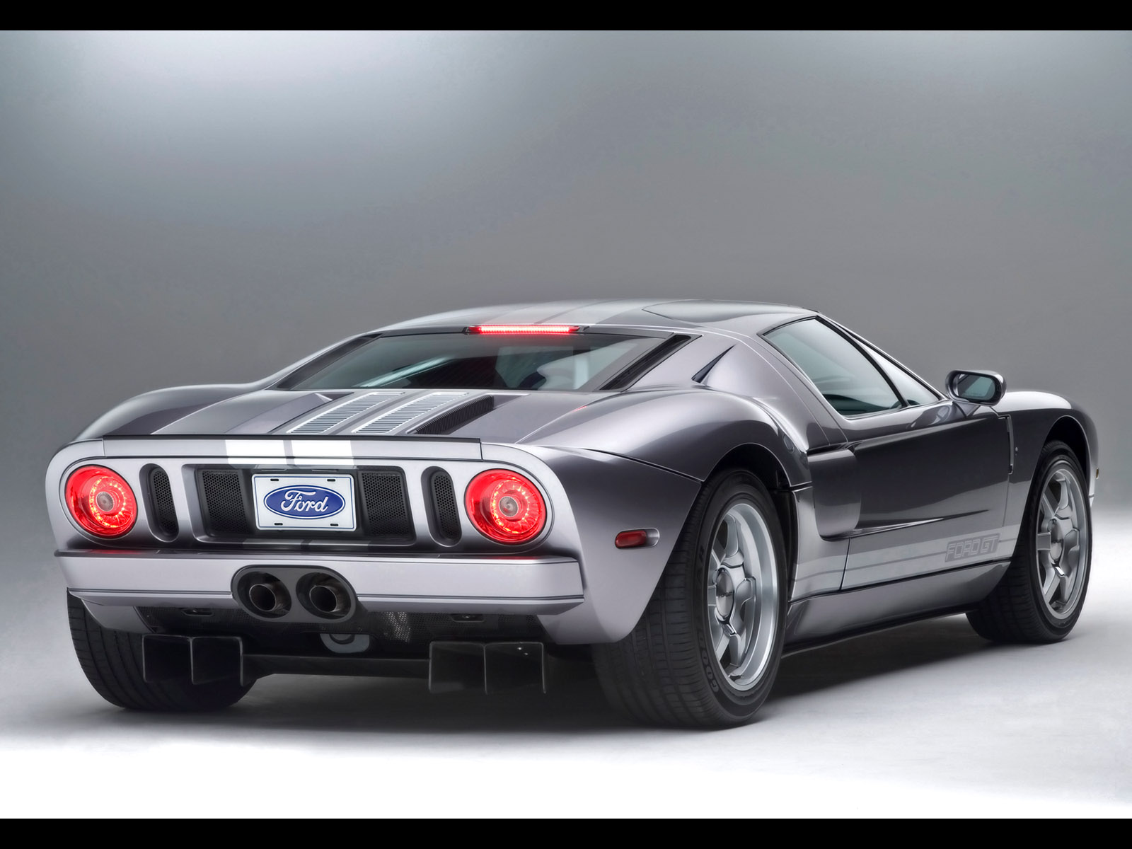 Ford GT 2006 photo - 1