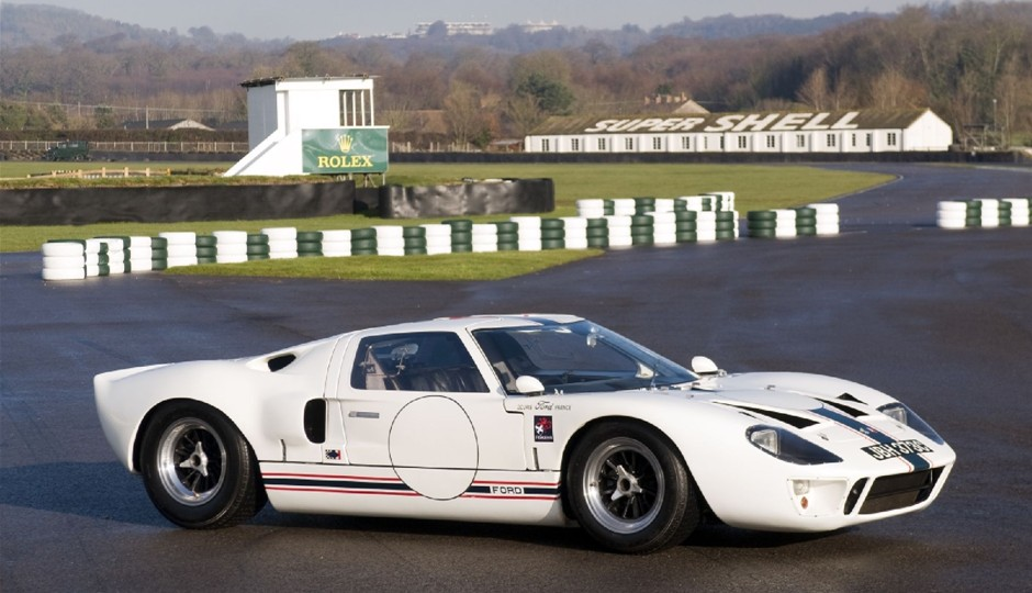 Ford GT40 1965 photo - 9