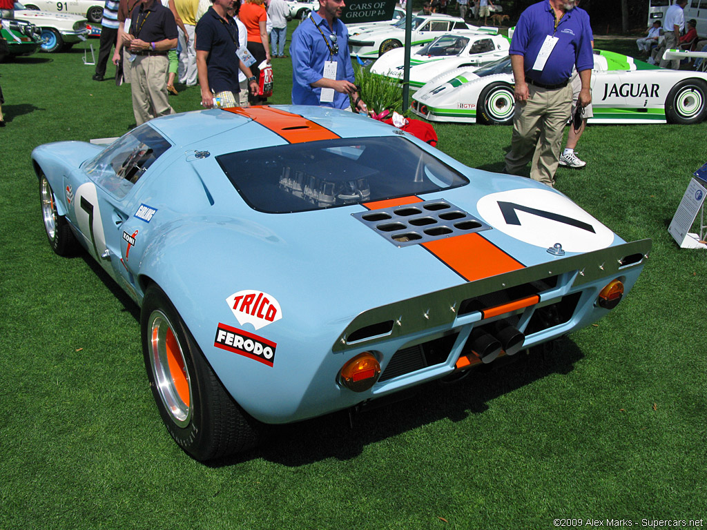Ford GT40 1969 photo - 1
