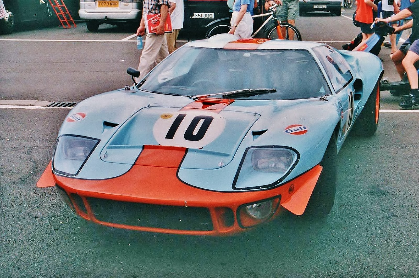 Ford GT40 1969 photo - 3