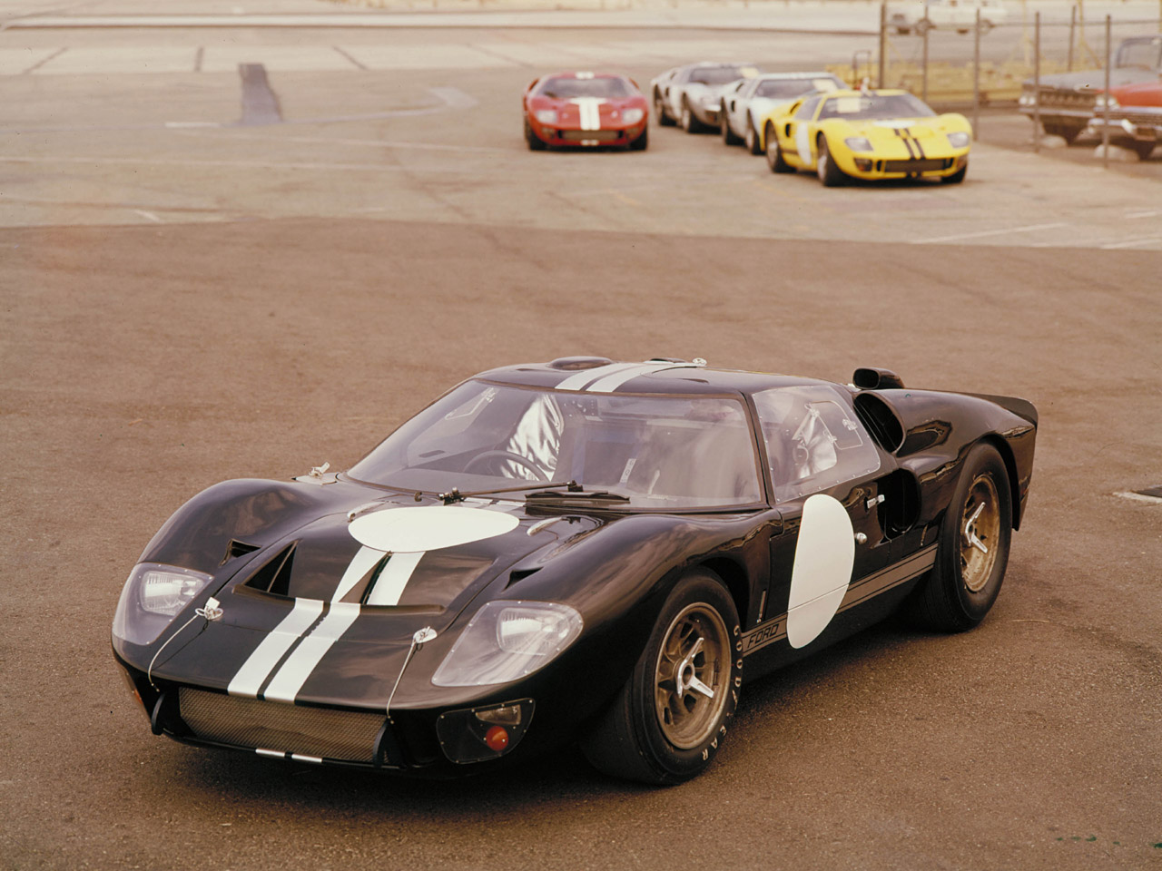 Ford GT40 1969 photo - 6
