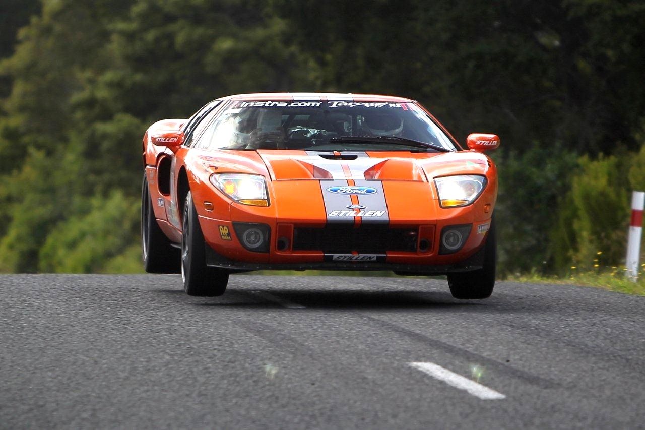 Ford GT40 2012 photo - 8