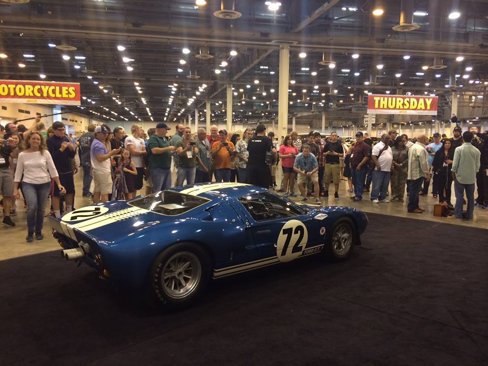 Ford GT40 2014 photo - 9