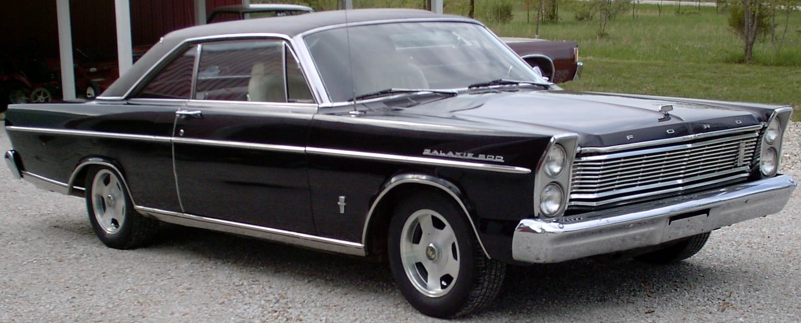Ford Galaxie 1971 photo - 10