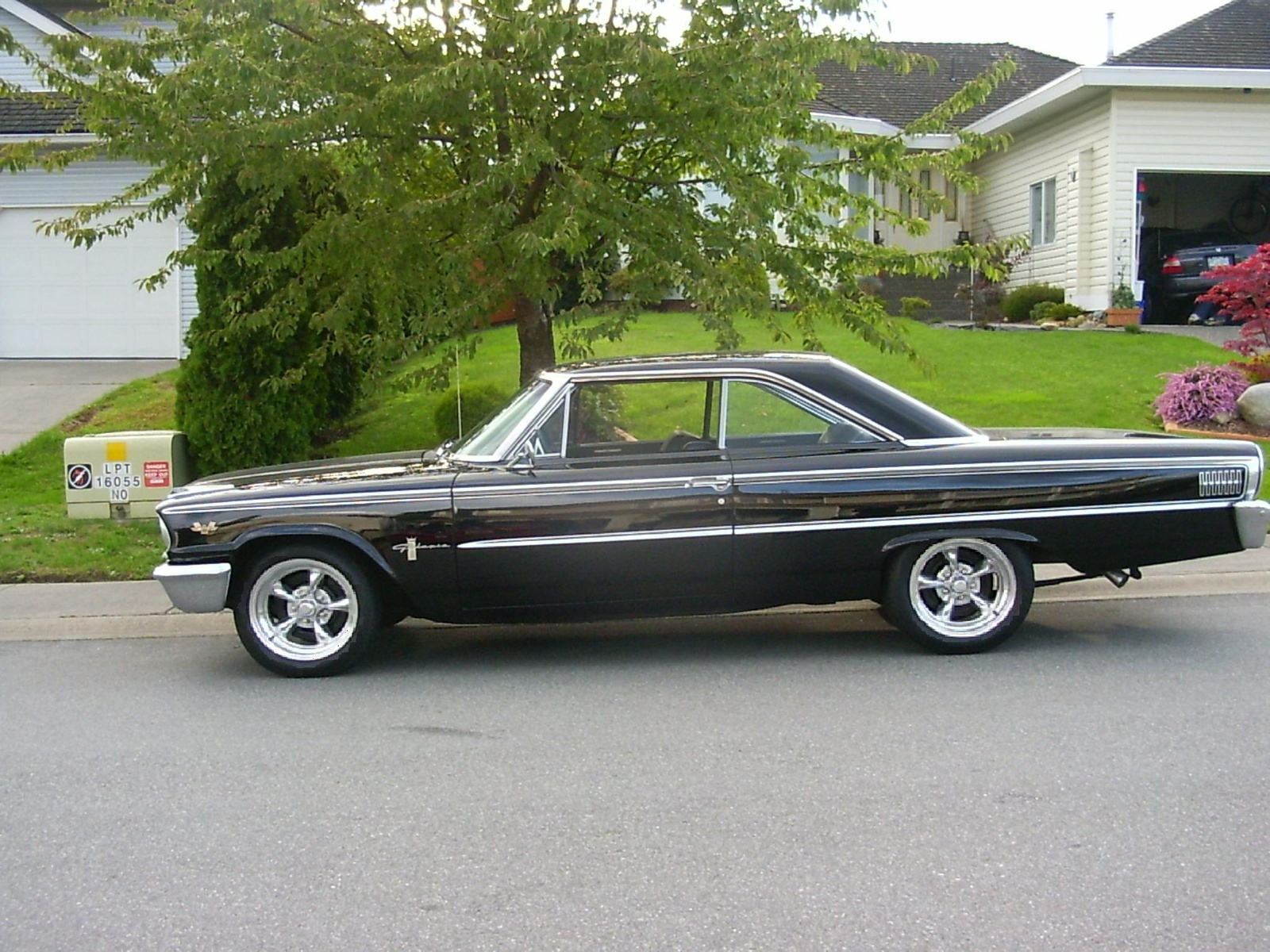 Ford Galaxy 1970 photo - 5
