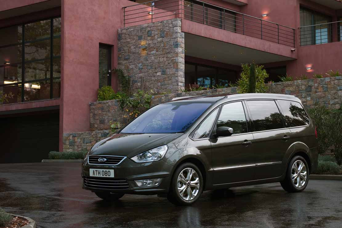 Ford Galaxy 2012 photo - 5