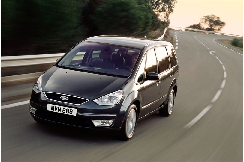 Ford Galaxy 2012 photo - 9