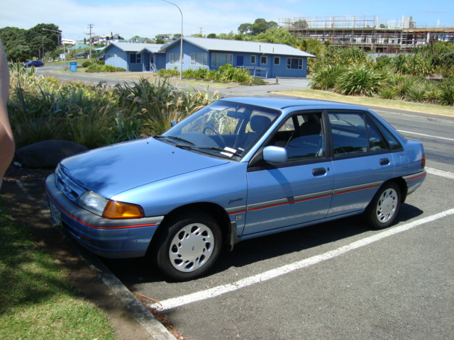 Ford laser 1984 photo - 6