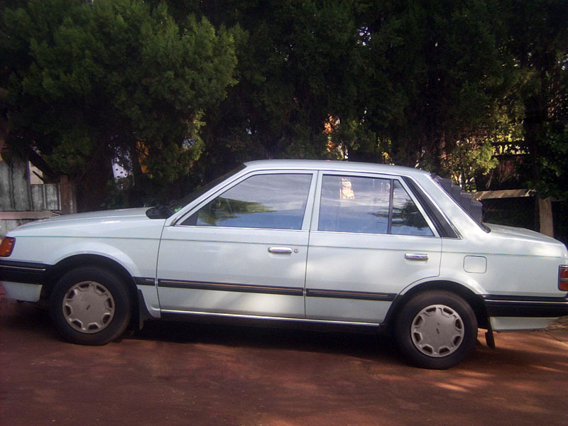 Ford Laser 1986 photo - 3