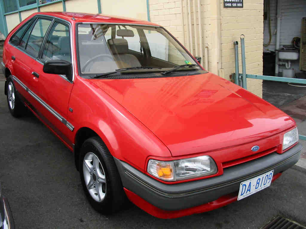 Ford Laser 1988 photo - 3