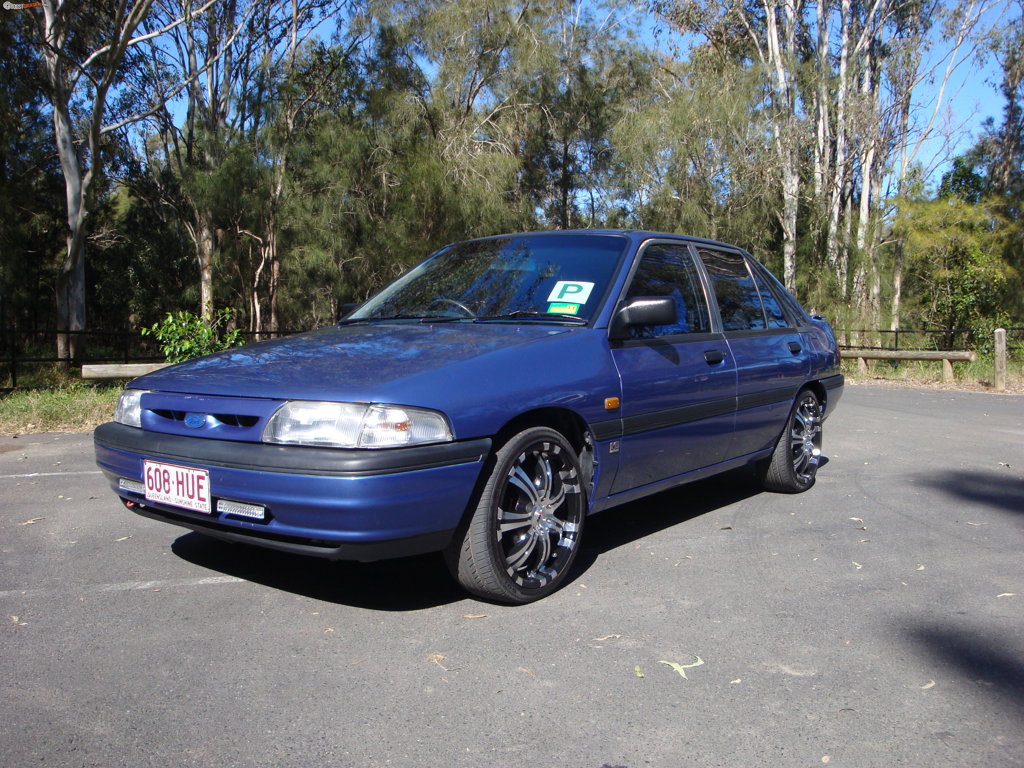 Ford Laser 1993 photo - 7
