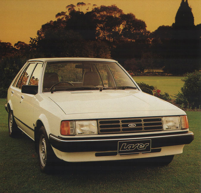 Ford Laser 1998 photo - 8
