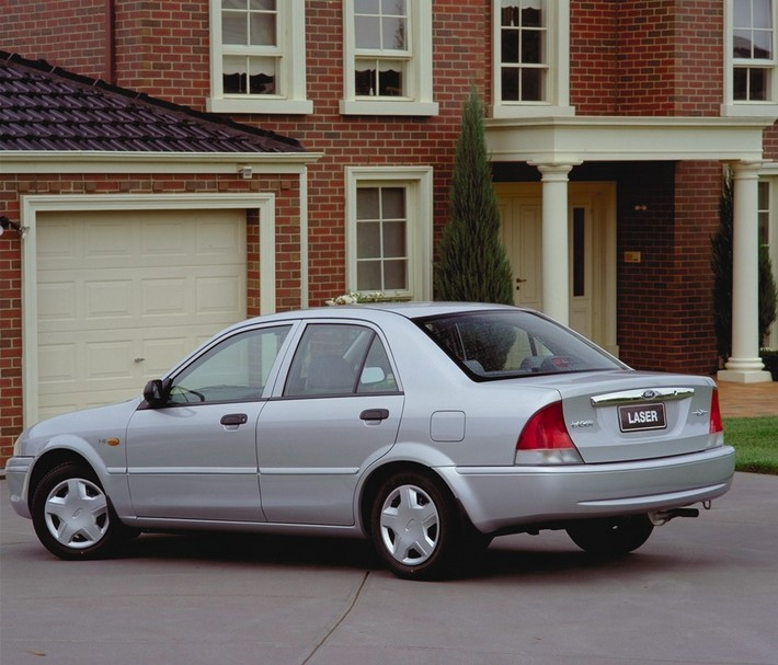 Ford Laser 1999 photo - 6