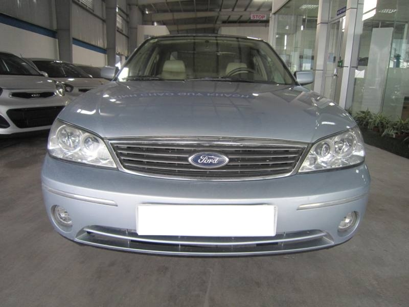 Ford Laser 2004 photo - 3