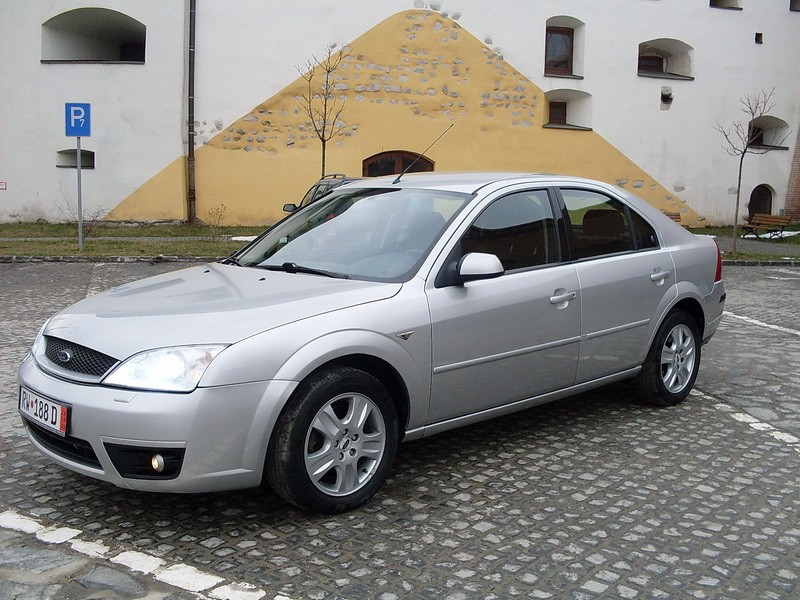 Ford Modeo 2002 photo - 9