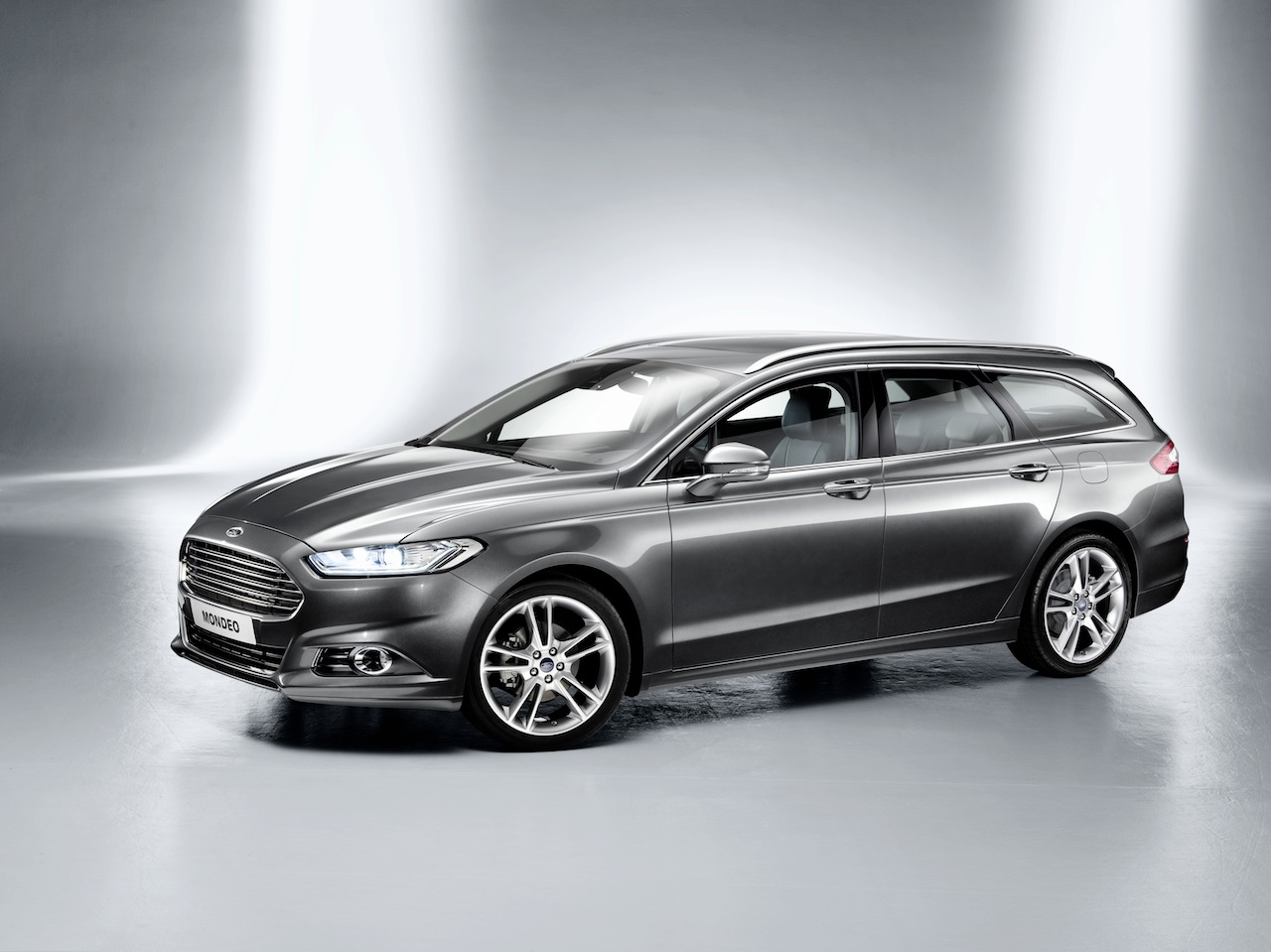 Ford Mondeo 1998 photo - 9