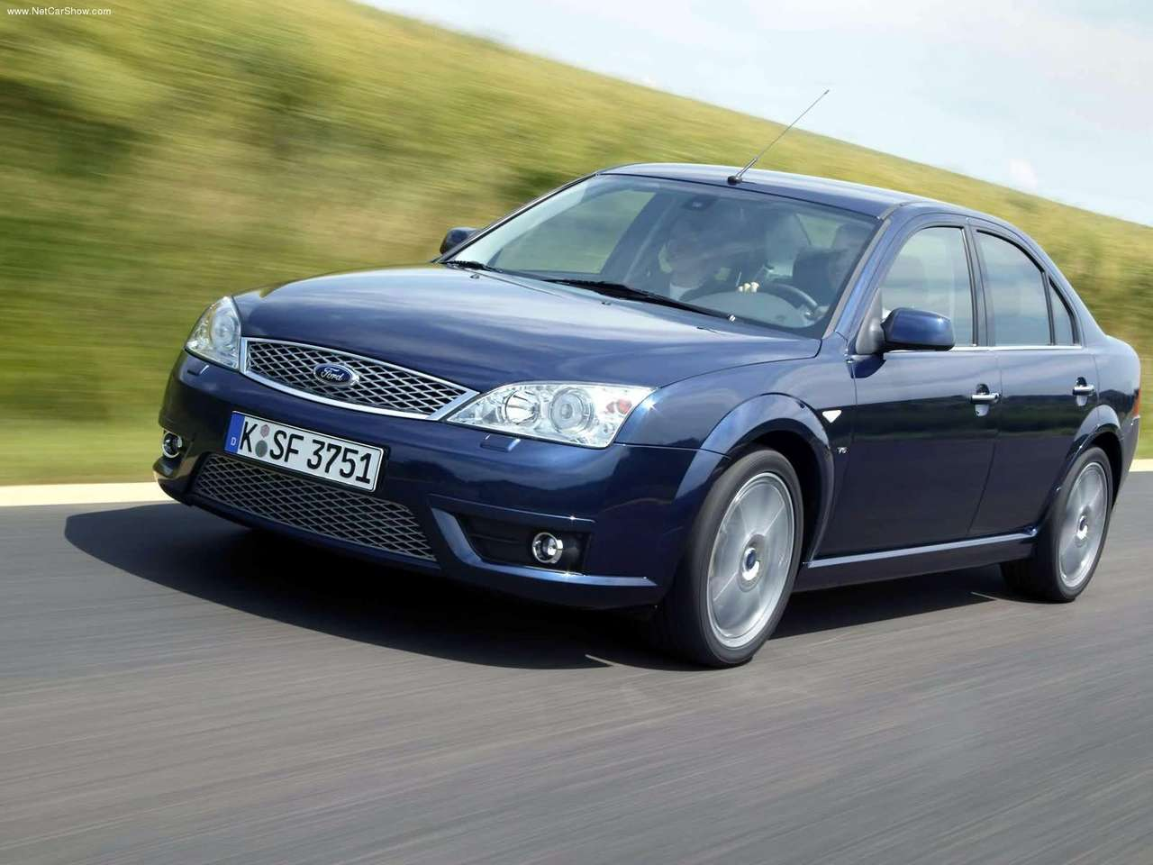 Ford Mondeo 2004 photo - 2