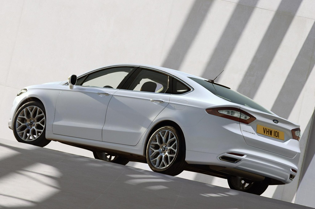 Ford Mondeo 2013 photo - 3