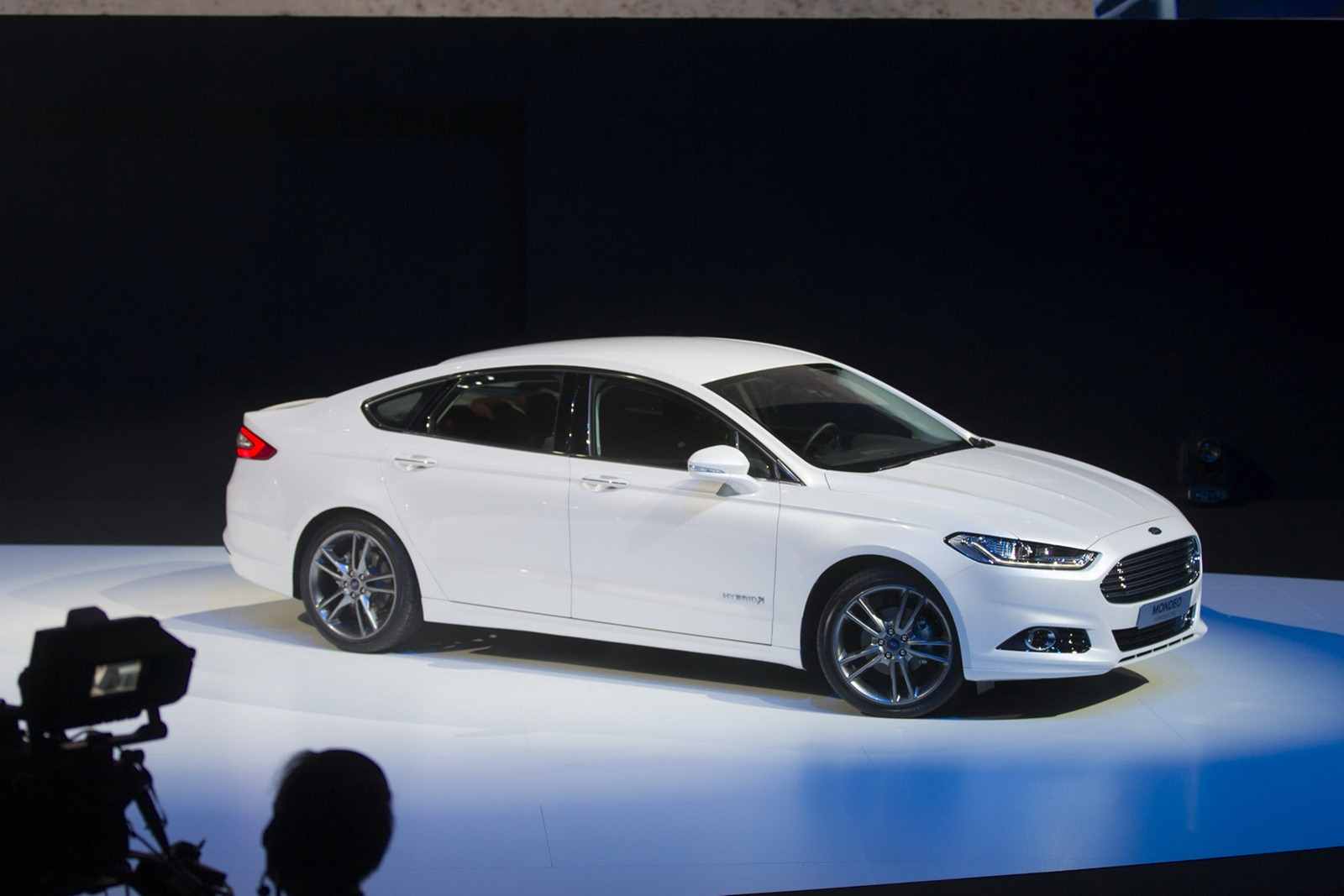 Ford Mondeo 2013 photo - 4