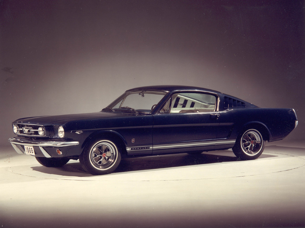 Ford Mustang 1950 photo - 2