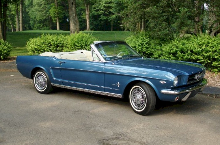 Ford Mustang 1961 photo - 9