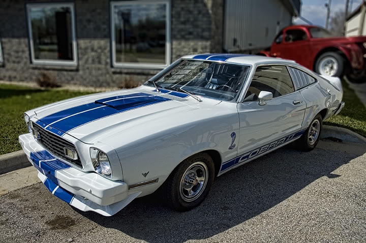 Ford Mustang 1975 photo - 10
