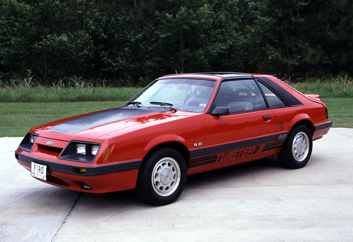 Ford Mustang 1985 photo - 9