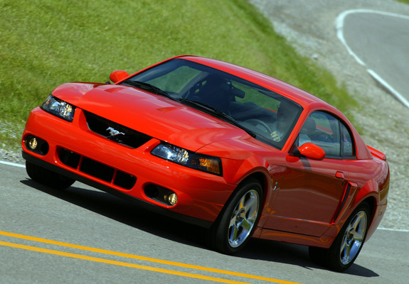 Ford Mustang 2004 photo - 2
