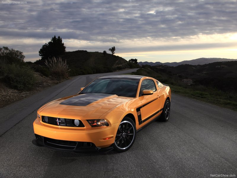 Ford Mustang 2012 photo - 10