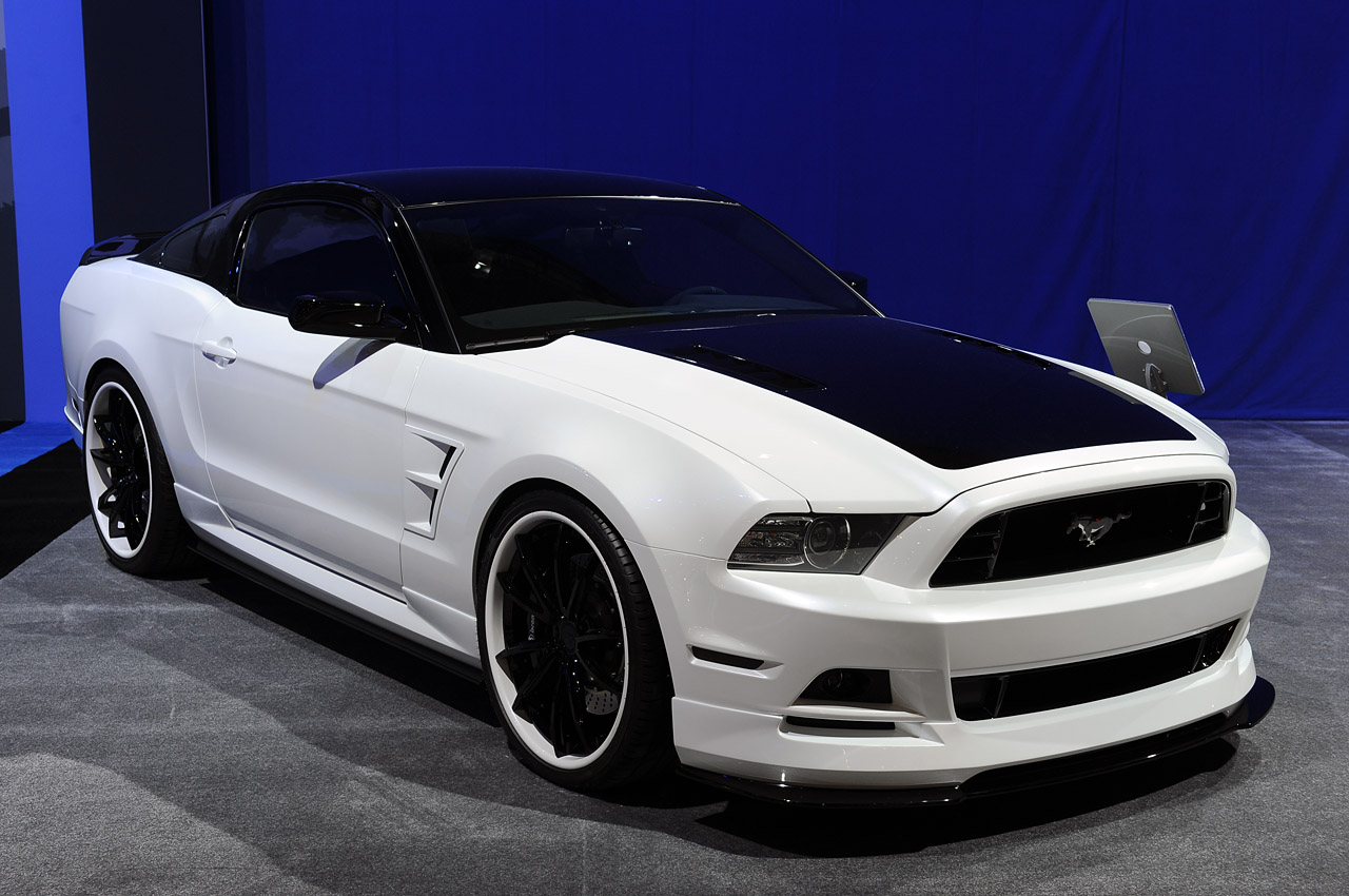 Ford Mustang 2012 photo - 6