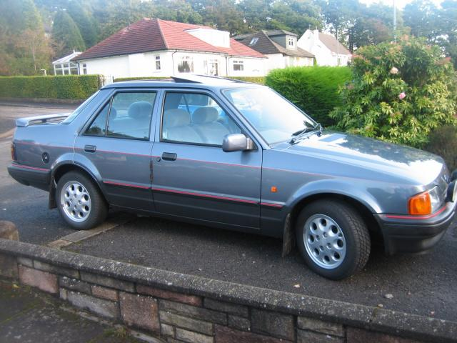 Ford Orion 1983 photo - 4