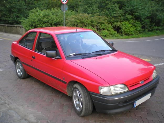 Ford Orion 1992 photo - 7