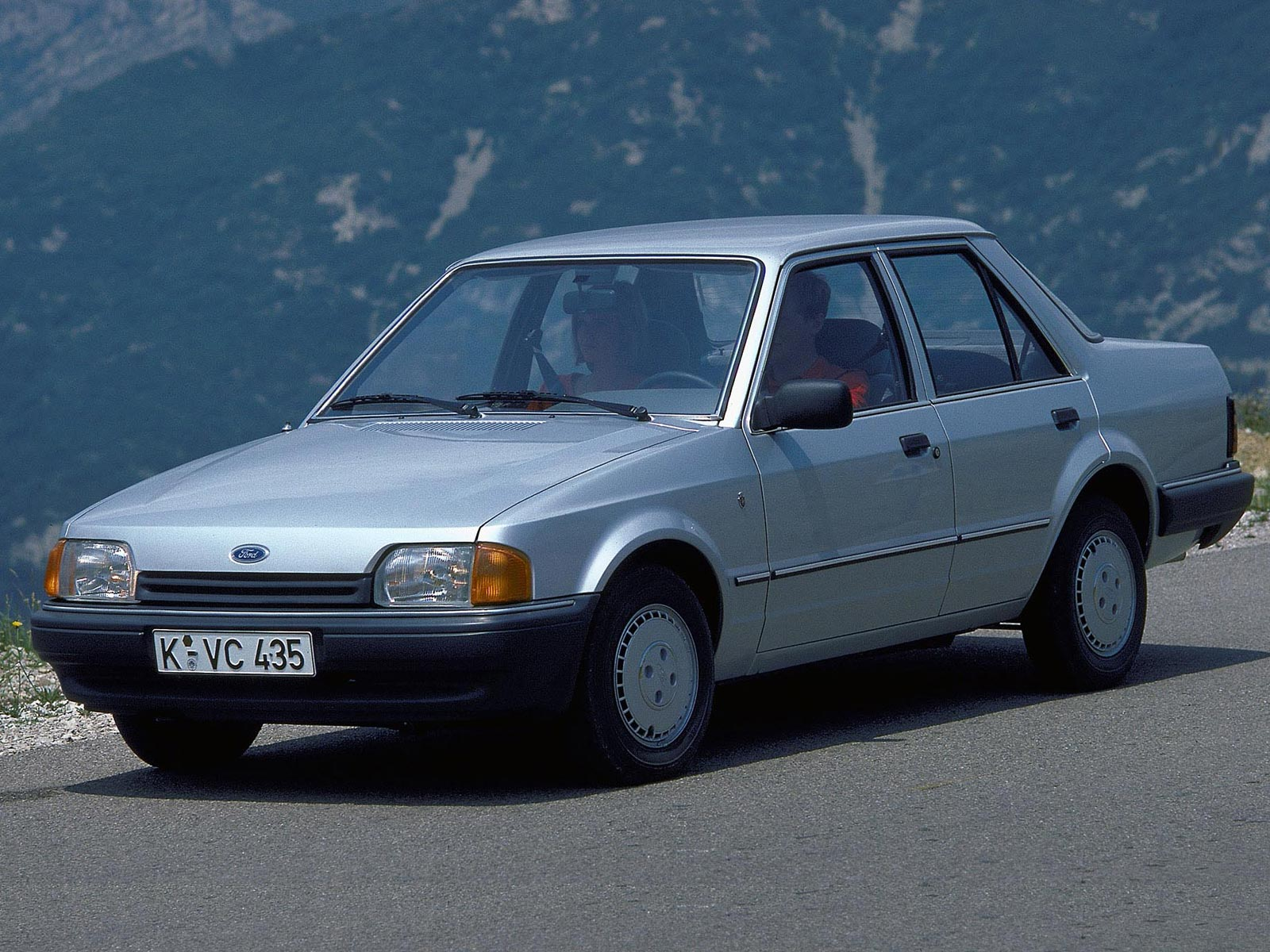 Ford Orion 1998 photo - 3