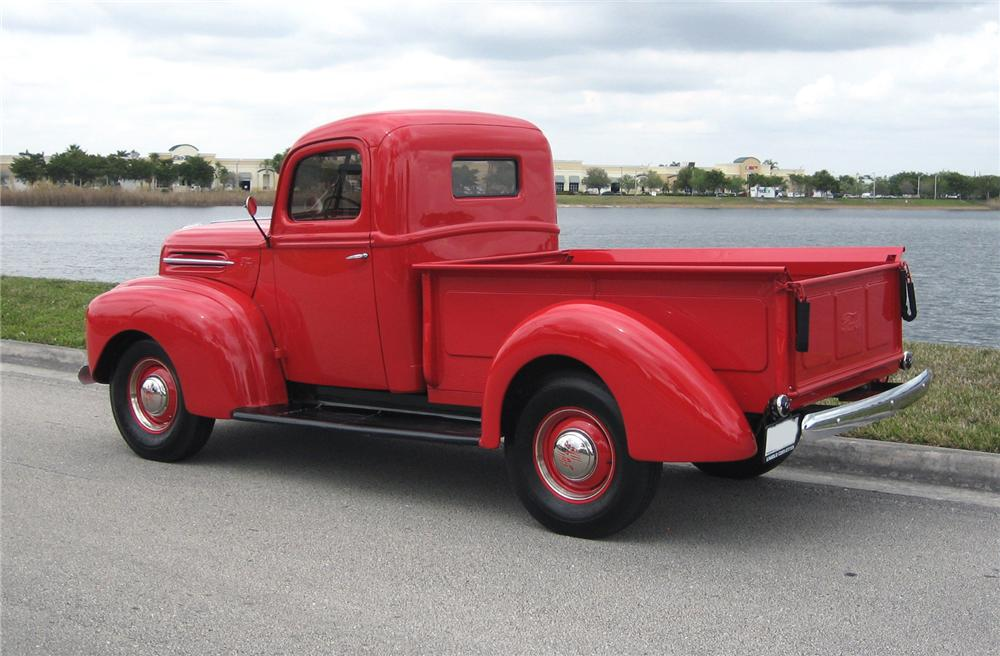 Ford Pickup 1945 photo - 9