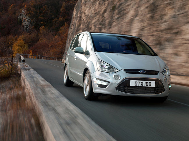 Ford S-max 2010 photo - 3