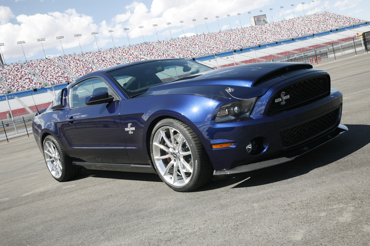 Ford Shelby 2015 photo - 10
