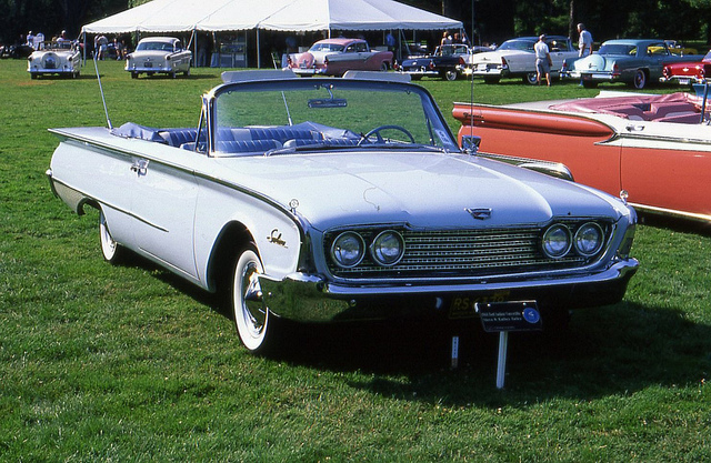 Ford Sunliner 1960 photo - 7