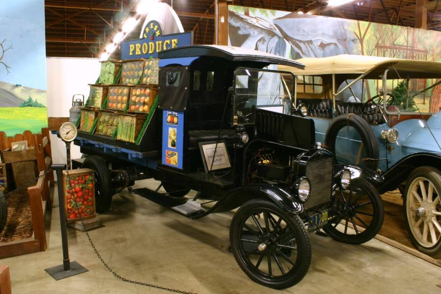 Ford T 1917 photo - 9