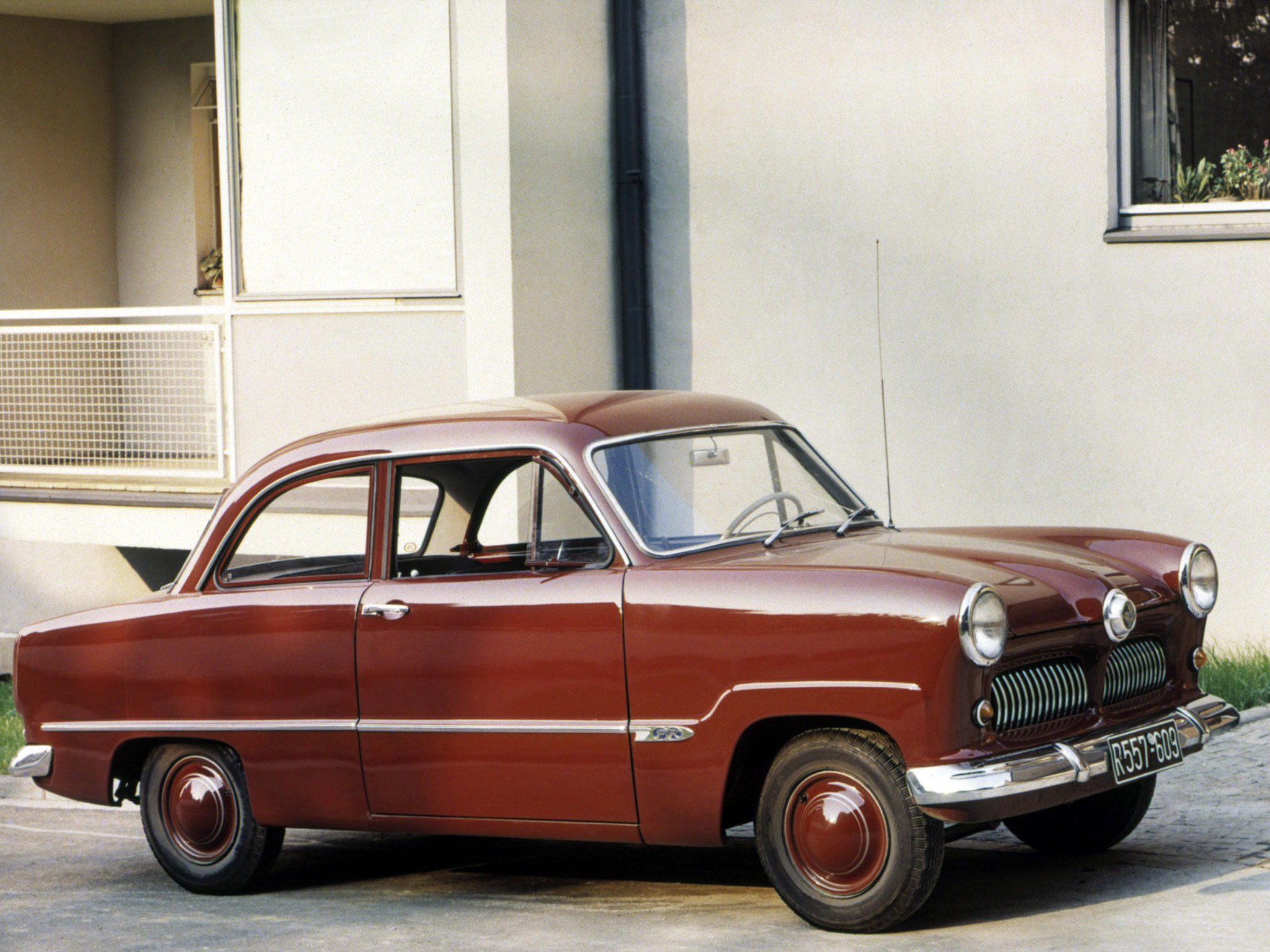 Ford Taunus 1950 photo - 1